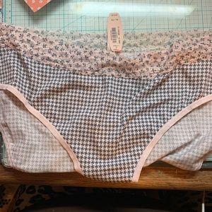 NWT Victoria's Secret panties. Xl. Very soft.
